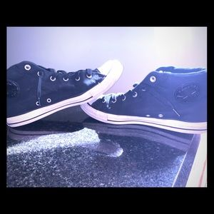 Convers size 12